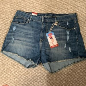 Levi cutoff denim shorts size 18